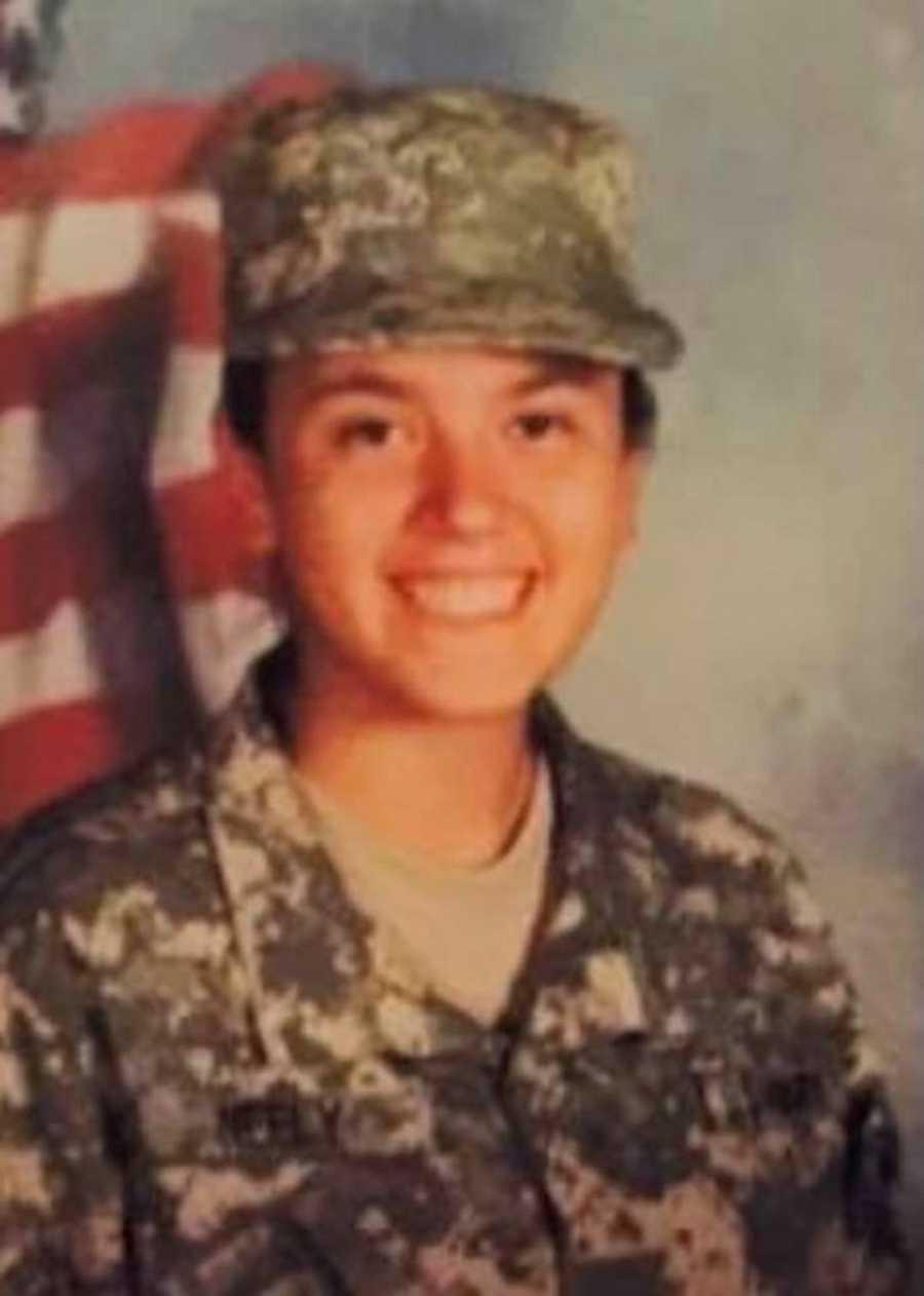 woman in army uniform