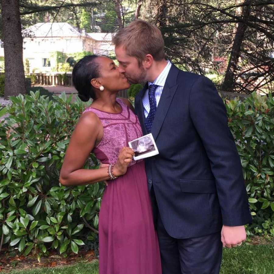 Couple announcing first pregnancy