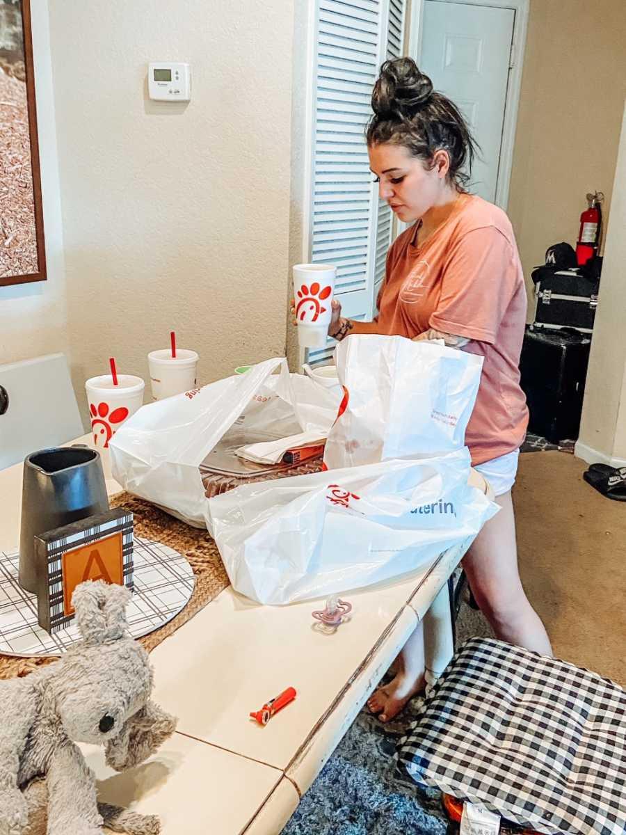 Friend brings Chick-Fil-A over to friend grieving miscarriage
