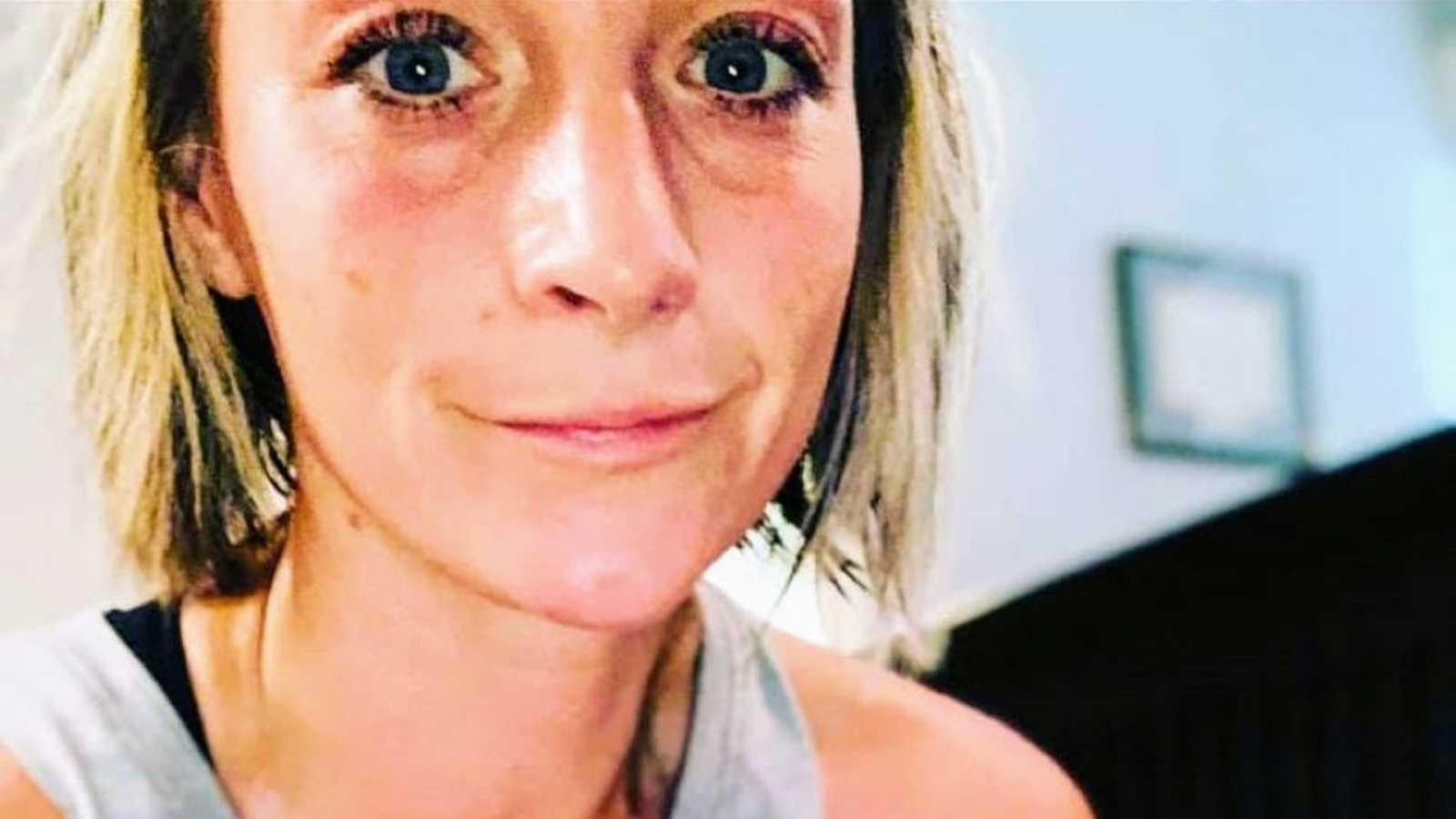 Mom of three takes selfie after going on three-mile run