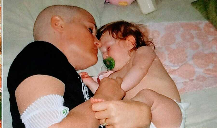 Mom of 4 battling rare choriocarcinoma cancer takes a nap with one of her babies