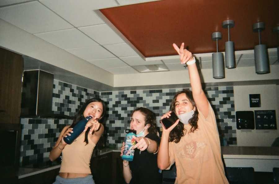 three women singers