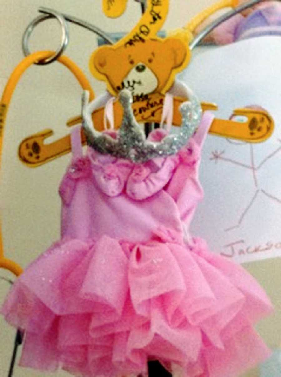 A dress suited for a micropreemie in the hospital