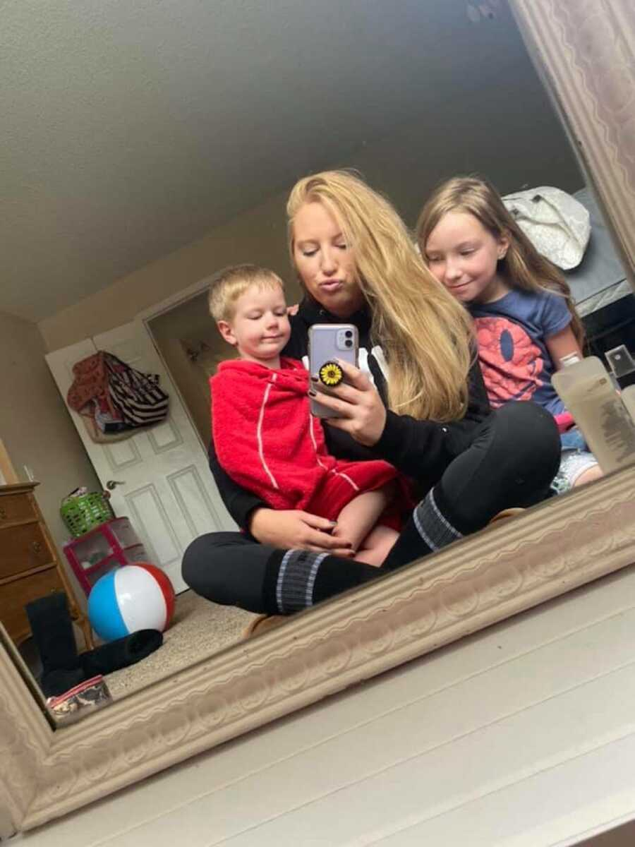 mom with kids being a single mom and getting sober